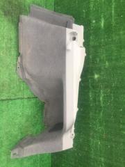 Обшивка багажника задняя правая Toyota Prius
