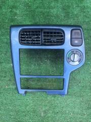 Рамка магнитофона Nissan Terrano 2002
