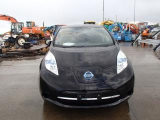 Лобовое стекло Nissan LEAF 2013