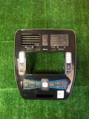 Рамка магнитофона Nissan LEAF 2013