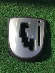 Запчасть рамка рычага переключателя автомата Mitsubishi Outlander 2007