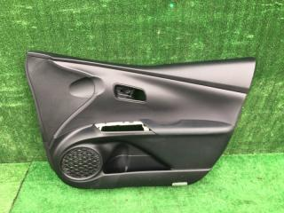 Обшивка дверей передняя правая Toyota Prius 2016