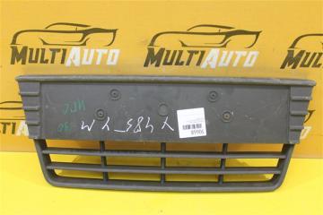 Запчасть решетка в бампер передняя Ford Focus 2011-2015