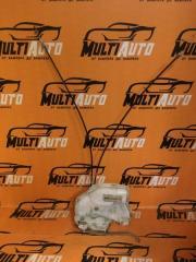 Запчасть замок двери передний левый Suzuki SPLASH 2009