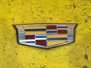 Запчасть эмблема решетки радиатора Cadillac Escalade 2014-2020