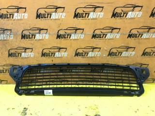 Запчасть решетка в бампер передняя Renault Duster 2010-2015