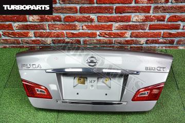 Запчасть крышка багажника Nissan Fuga