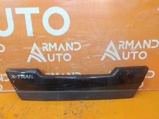 Запчасть накладка двери багажника Nissan X-Trail 2007-2015