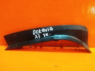 Запчасть накладка фонаря левая Skoda Octavia 2013-нв