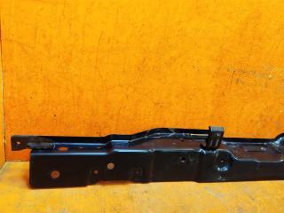 Панель передняя (суппорт радиатора) Genesis G70 1
