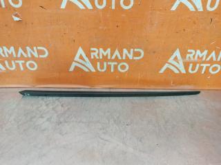 Запчасть накладка лобового стекла левая Porsche Macan 2014-нв
