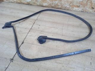 Уплотнитель двери передний левый Subaru Forester S10 БУ