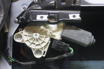 Моторчик стеклоподъёмника задний правый MERCEDES E-CLASS 2004