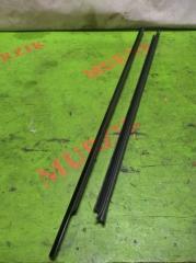 Уплотнитель стекла передний левый MERCEDES E-CLASS 2004