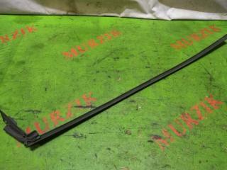 Уплотнитель стекла правый MERCEDES CLK-CLASS 2000