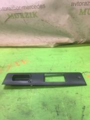 Запчасть ручка крышки багажника задняя MERCEDES C-CLASS 2001