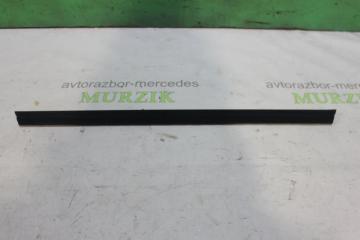 Уплотнитель стекла задний левый MERCEDES E-CLASS 1997