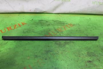 Уплотнитель стекла передний правый MERCEDES C-CLASS 2001
