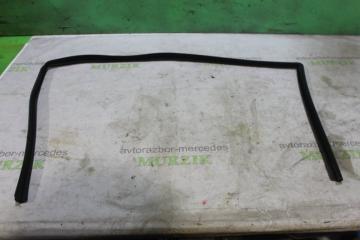 Уплотнитель стекла передний правый MERCEDES C-CLASS 2000
