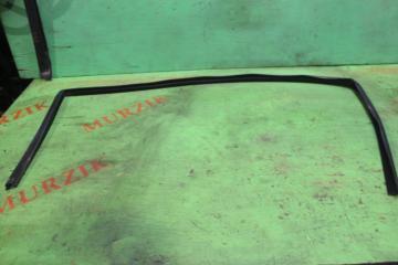 Уплотнитель стекла правый MERCEDES C-CLASS 2001