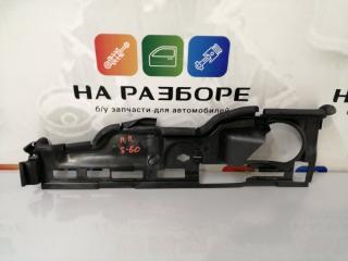 Запчасть дефлектор радиатора передний правый Volvo s60 2012