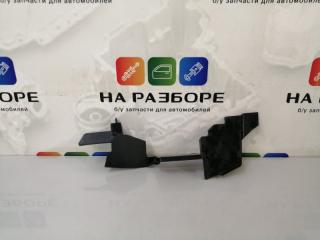 Запчасть дефлектор радиатора левый MAZDA 6 2011