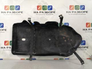 Запчасть защита топливного бака левая Volkswagen Touareg 2012