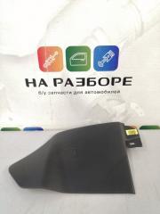Запчасть накладка на консоль между сиденьями правая KIA Cerato 2014