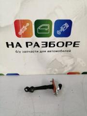 Запчасть ограничитель двери задний правый KIA Sportage 2013
