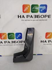 Брызговик передний правый Kia Sorento 86832-3E510 Б/У