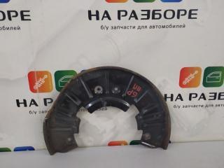 Запчасть пыльник тормозного диска передний правый Volkswagen Touareg 2003