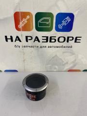 Дефлектор на торпедо Renault Duster HSA K4M 2013 лев. (б/у)