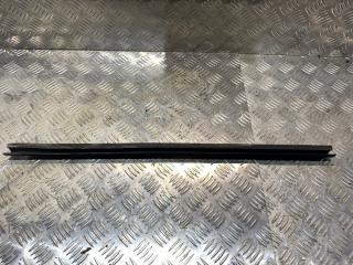 Запчасть уплотнительная резинка задняя левая Ford Escape 2008