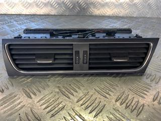Запчасть решетка вентиляционная Audi A4 2009