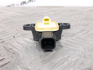 Датчик удара передний правый S60 2013 1.6