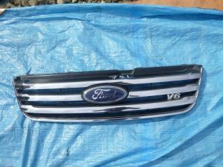 Решетка радиатора Ford Escape