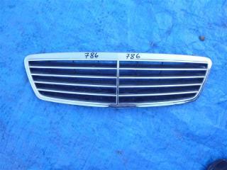 Решетка радиатора Mercedes C240 2000