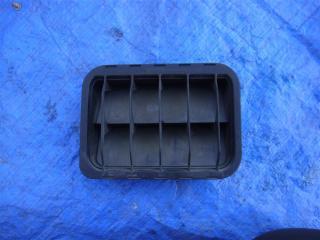 Вентиляционная решетка багажника задняя Mercedes C240 2000