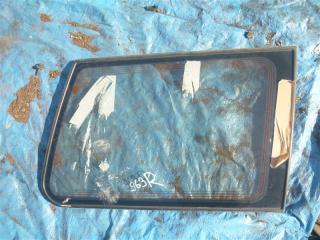 Стекло собачника заднее правое Mitsubishi Pajero 1996
