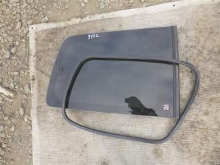 Стекло собачника заднее правое Mitsubishi Pajero 2000