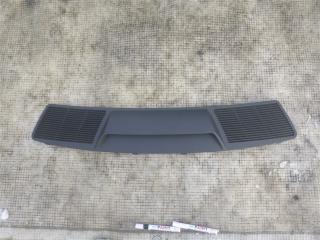 Полка под стекло задняя BMW 740i 2006