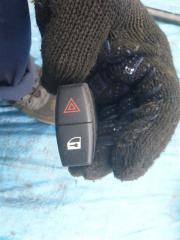 Запчасть кнопка аварийной остановки BMW 535 2008