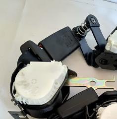 Запчасть ремень безопасности задний левый BMW 5-Series 2004 - 2007