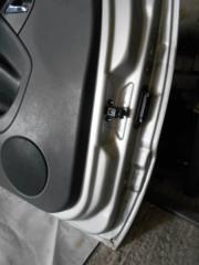 Запчасть ограничитель двери передний левый Mercedes M-Class 1997-2001