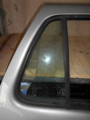 Запчасть стекло двери ( форточка ) заднее правое Mercedes-Benz M-Class 1997-2001