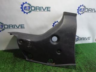 Запчасть накладка порога багажника задняя правая Ford Focus 1998 - 2007