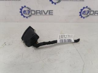 Запчасть кнопка аварийной сигнализации BMW 5-Series