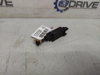 Запчасть датчик выключатель стоп-сигнала Volkswagen Passat