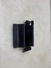 Запчасть кронштейн решетки радиатора Mitsubishi Outlander 2012-
