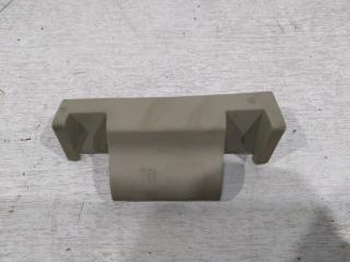 Запчасть накладка петли багажника задняя правая Infiniti FX/QX70 2008-2017